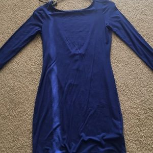 Short long sleeve dress with open back
